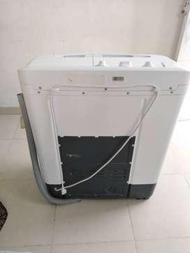 Vendo lavadora centrales 16lbs y nevera mabe 220litro 20 2 eses de uso
