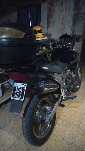 VENDO HONDA NX-400 FALCON