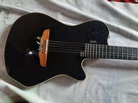 Guitarra Modelo Godin Grand Concert