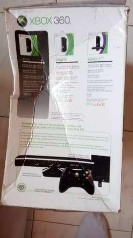Xbox 360 entregó con caja cable hdmi y con cable de bananas dos controles varios juegos