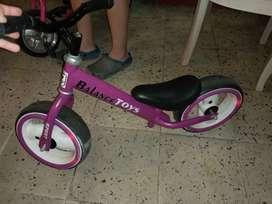 Bicicleta de impulso para niña