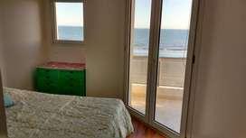 FRENTE AL MAR, 4/5 PERSONAS A 500 METROS DEL CENTRO, dos dormitorios cochera cubierta y parrilla en el balcón. IMPECABLE