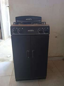 Se vende estufa ABBA con gabinete usada