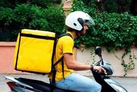 Se necesita conductor de moto con vehículo propio a medio tiempo