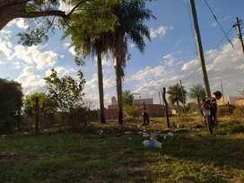 Terreno  Barrio Quintana, 300 m2, sobre Avenida proyectada, en una esquina, con base para losa. Acceso agua y cloaca.