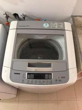 Lavadora LG color blanco