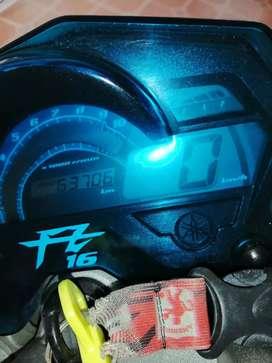 Yamaha fz 16  modelo 2014 excelente estado tecno y soat hadta enero 2022