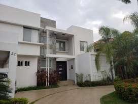 Venta de Casa en Laguna Sol, Samborondon