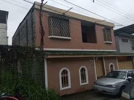 Venta de Casa en Urb El Cóndor, Norte Guayaquil