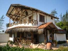 Casa al pie del mar con piscina VENDO en PLAYAS VILLAMIL, via a Data Posorja.