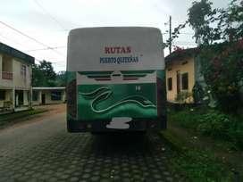 Se vende Bus Hino 2001