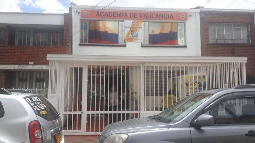 INSTRUCTORES BUSCA LA  ACADEMIA DE VIGILANCIA CEFORVIG LTDA 0