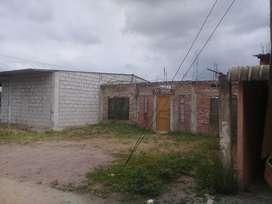 Vendo terreno de 10x20 negociable con construcion de 10x12 con proyecto para dos losas a 10 metros de la calle principal