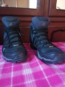 Zapatillas botines adidas originales deportivas talla 40.5