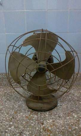 Ventilador Yelmo Antiguo. Funcionando.