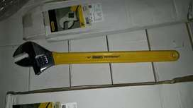 "Vendo 200 llaves ajustables 24""STANLEY"