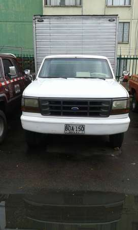 Ve permuto camioneta furgón en buen estado se cambia por vehículo particular o vende precio 20000000