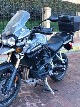 Moto Triumph Explorer 1200