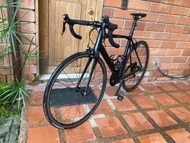BICICLETA RUTA GW FLAMA  GRUPO SHIMANO 105 9.8kg