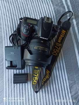 Nikon 750.