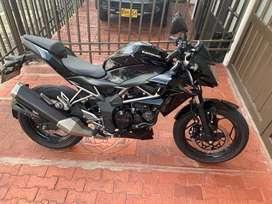 Vendo moto Kawasaki Z250sl