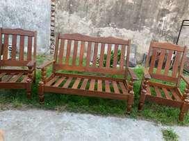 Juego de sillones y mesa de algarrobo