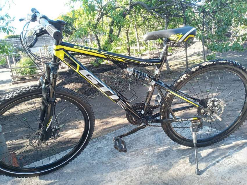 Se  vende una  bicicleta en perfectas condiciones. 0
