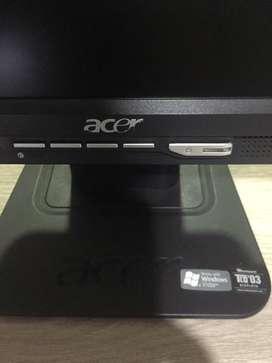 Monitor Acer 17 pulgadas excelente estado