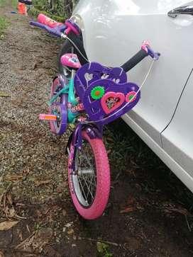 Bicicleta para niña excelente estado rin 16