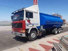 Se vende camión cisterna volvo F12, listo para trabajar con todos sus accesorios, precio conversable, año 1985