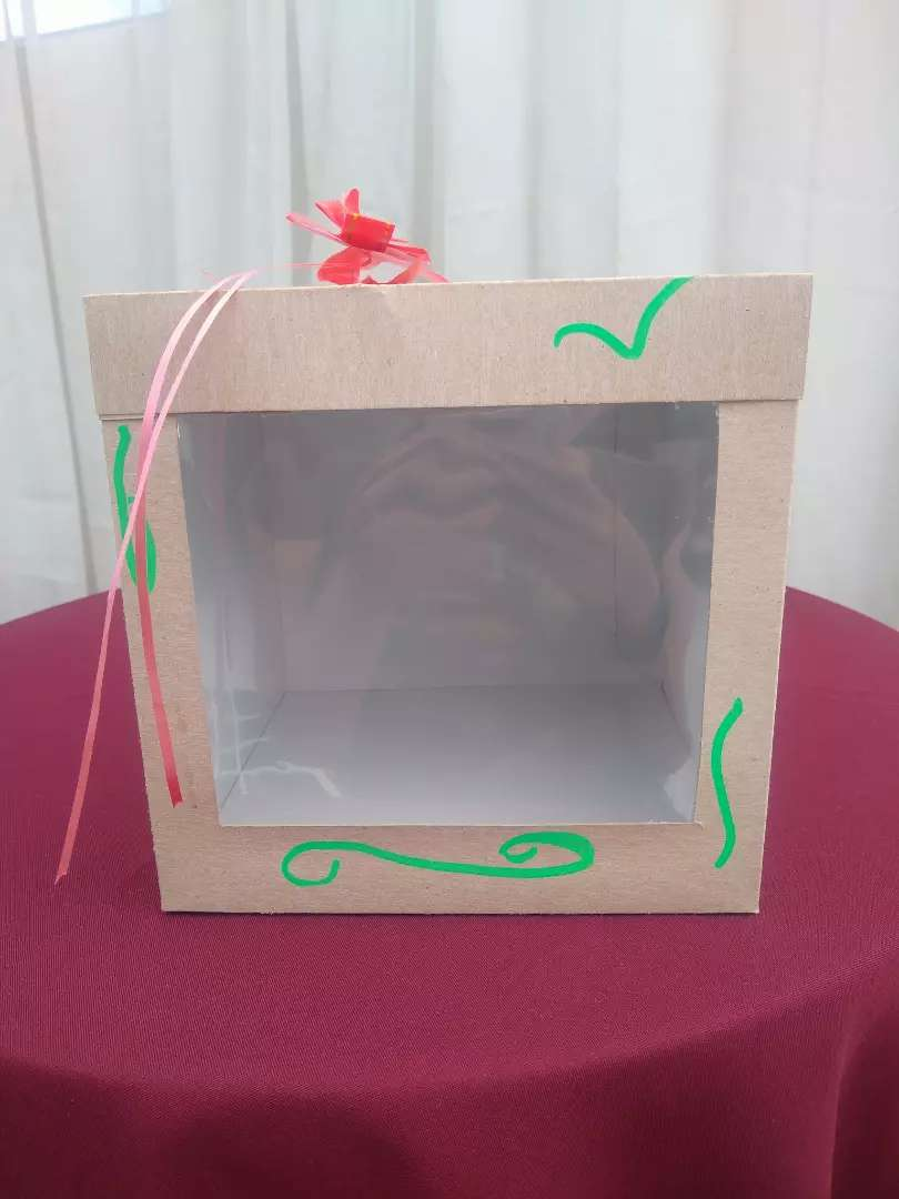 Se venden cajas para regalos con ventana en acetato 0