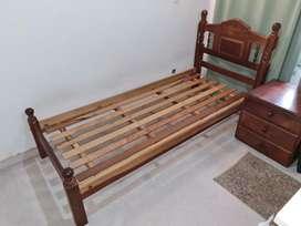 Vendo cama funcional de algarrobo usada