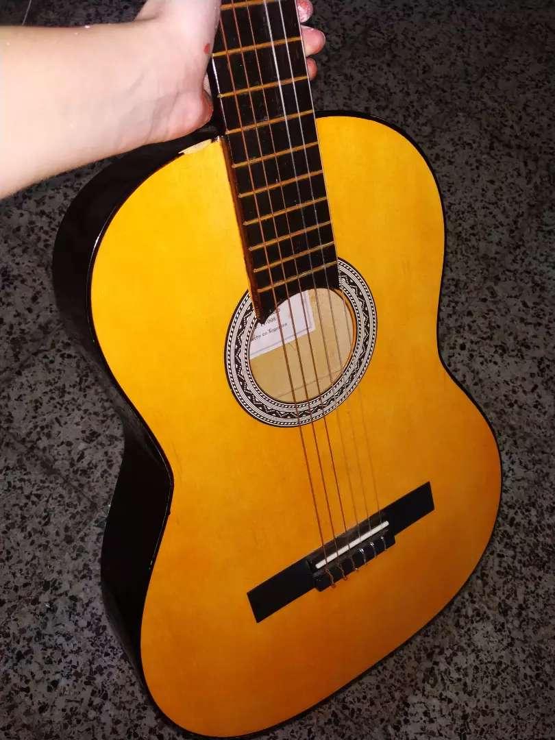 Guitarra criolla 0