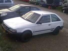 Carro coupé 323