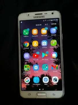Samsung J7  300 soles
