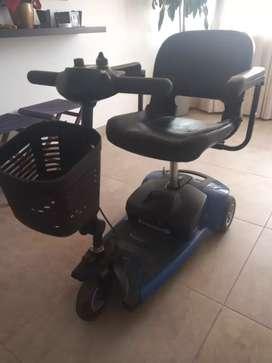 Moto tipo scooter para persona movilidad reducida