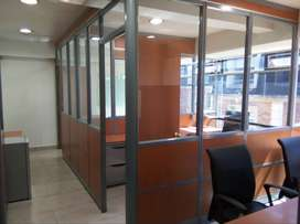 Rento Oficina Amoblada - 51 m2 - Piso Alto - 2 Parqueos - Av 6 Diciembre y Gaspar Villarroel