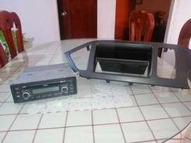 Se vende consola más radio, para Kia picanto