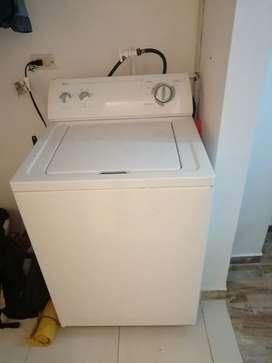 Vendo o permuto lavadora Whirlpool