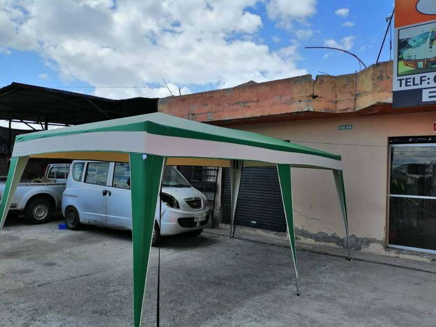 Vendo carpa color verde en material de lona medidas 2.50 de ancho por 4.80 de largo fabricada en Ecuador uso 9 de 10 0