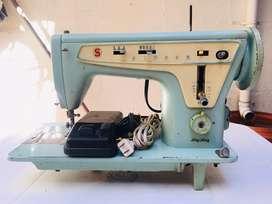 Máquina de coser SINGER con Zig Zag Cat BZC 5-7