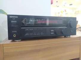 Receiver Kenwood modelo VR-715