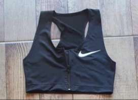 Top Nike cierre
