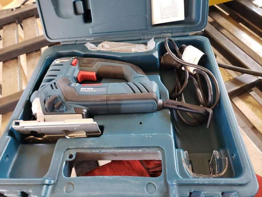 Vendo sierra caladora para metal Bosch 0