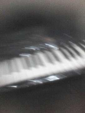 Se vende teclado yamaha psr 279 a 1250 nuevo chimbote