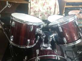 Vendo bateria DB drums escucho ofertas