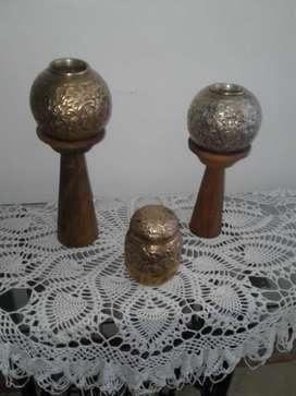 set de jarrones en bronce y plata