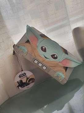 Billetera Baby Yoda ,mandalorian edición limitada nuevo