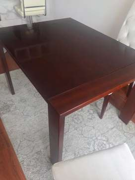 Mesa de comedor, largo 1.20; ancho 90, alto 76, usada buen estado de muebles & accesorios