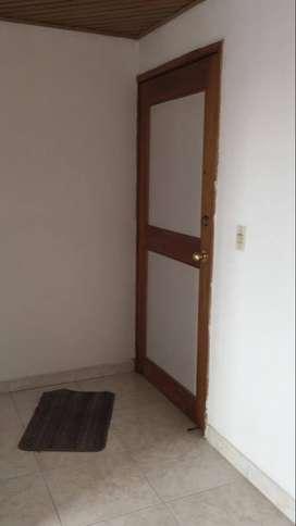 ARRIENDO Apartamento 3 Alcobas 2 Baños, Parqueadero Privado San José Spring